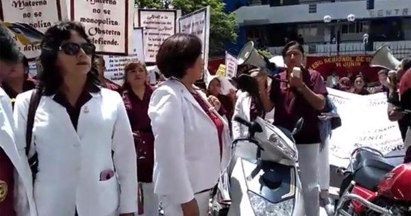 ENTREVISTA A UN MEDIO DE COMUNICACIÓN EN AYACUCHO A LA DECANA NACIONAL DEL COP