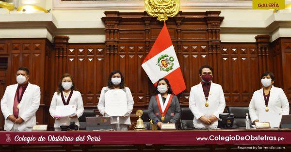 RECONOCIMIENTO EN EL CONGRESO DE LA REPÚBLICA AL COLEGIO DE OBSTETRAS DEL PERÚ