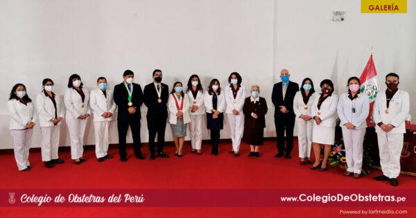Ceremonia de reconocimiento a las obstetras congresistas de la República