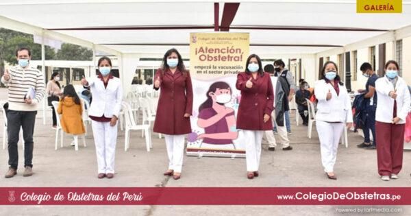 Primera dosis de la vacuna a obstetras del sector privado en Lima y Callao