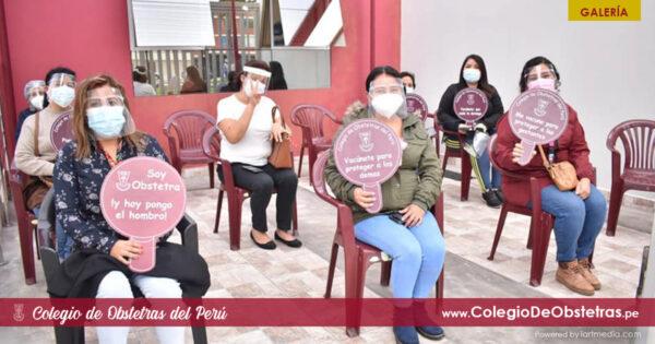Se desarrolló con exito la aplicación de la segunda dosis de la vacuna contra la COVID-19 a obstetras de Lima y Callao