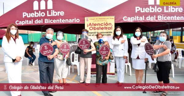 Obstetras del sector privado de Lima Centro recibieron la primera dosis de la vacuna contra la COVID-19