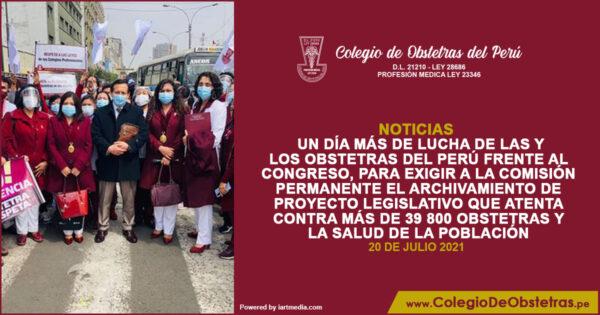 Un día más de lucha de las y los obstetras del Perú frente al Congreso
